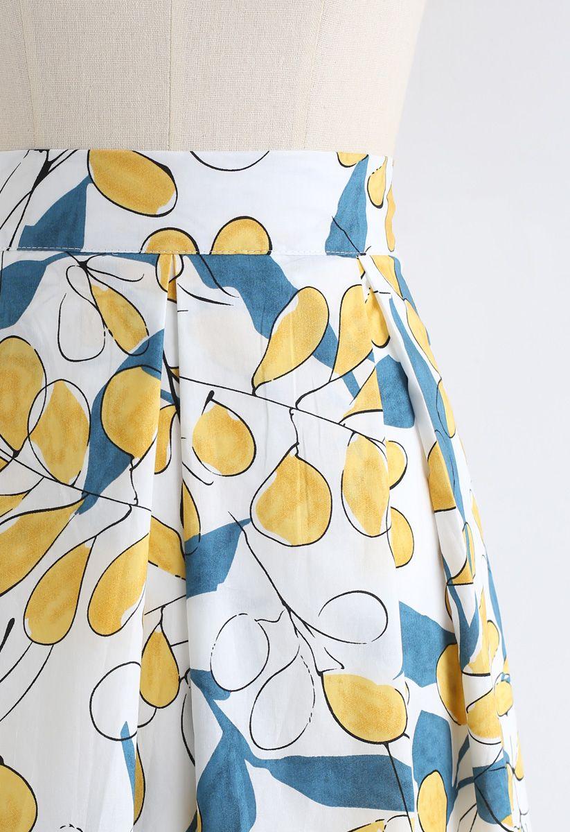 Rosehip Pattern Pleated Midi Skirt in White