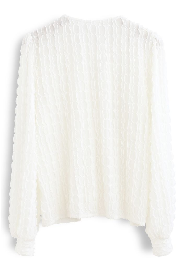3D Scallop V-Neck Buttoned Top in White