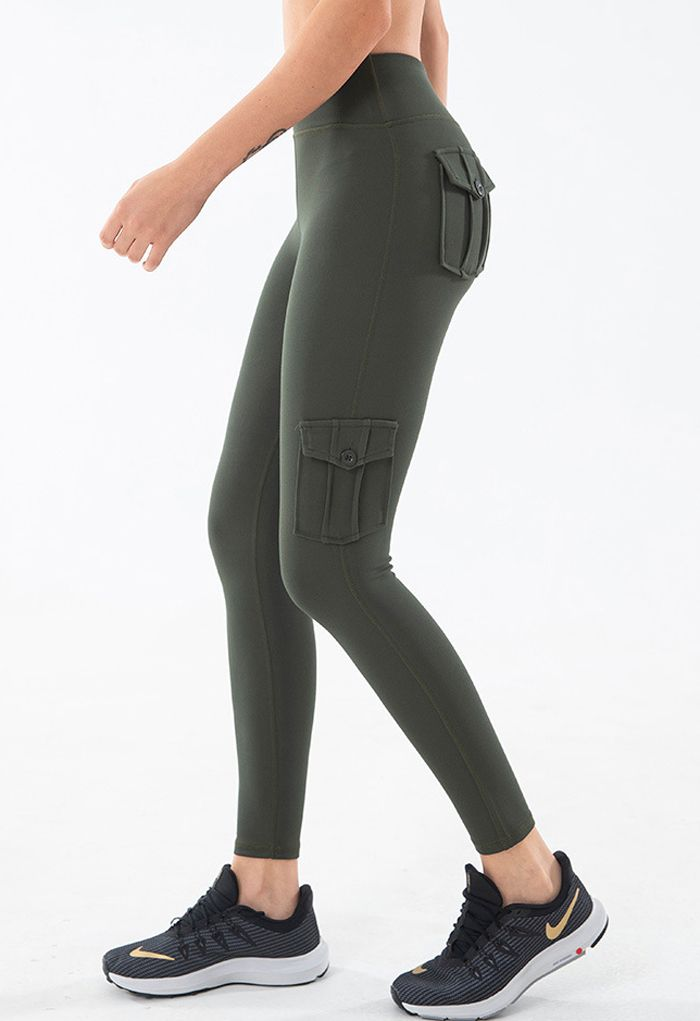 Buttoned Flap Pocket Seamed Cropped Leggings in Army Green