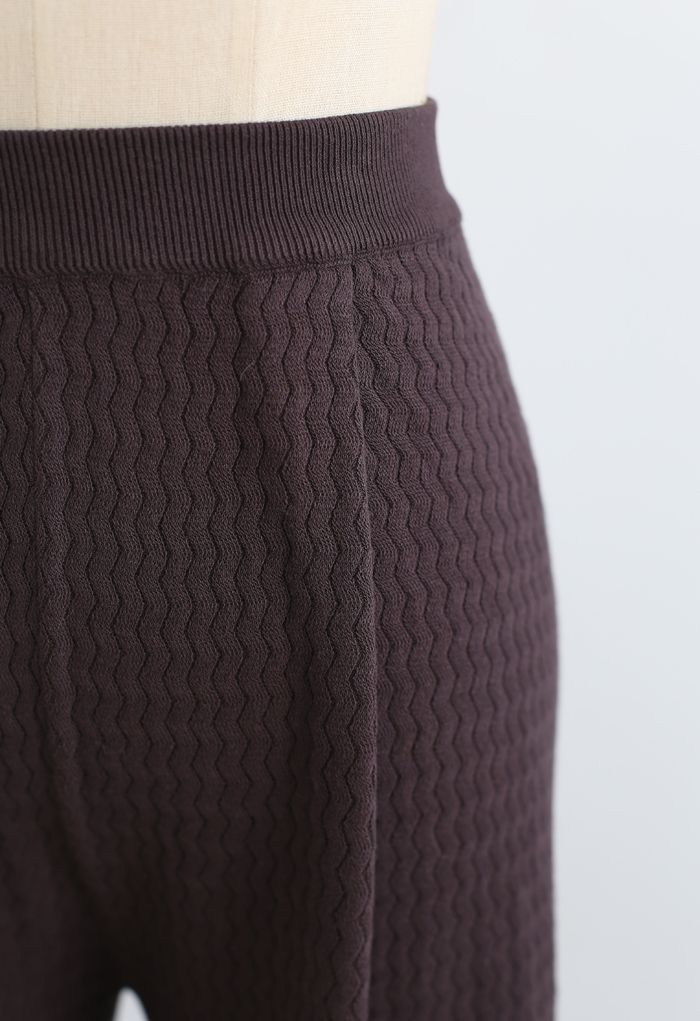 Wavy Textured Knit Pants in Brown