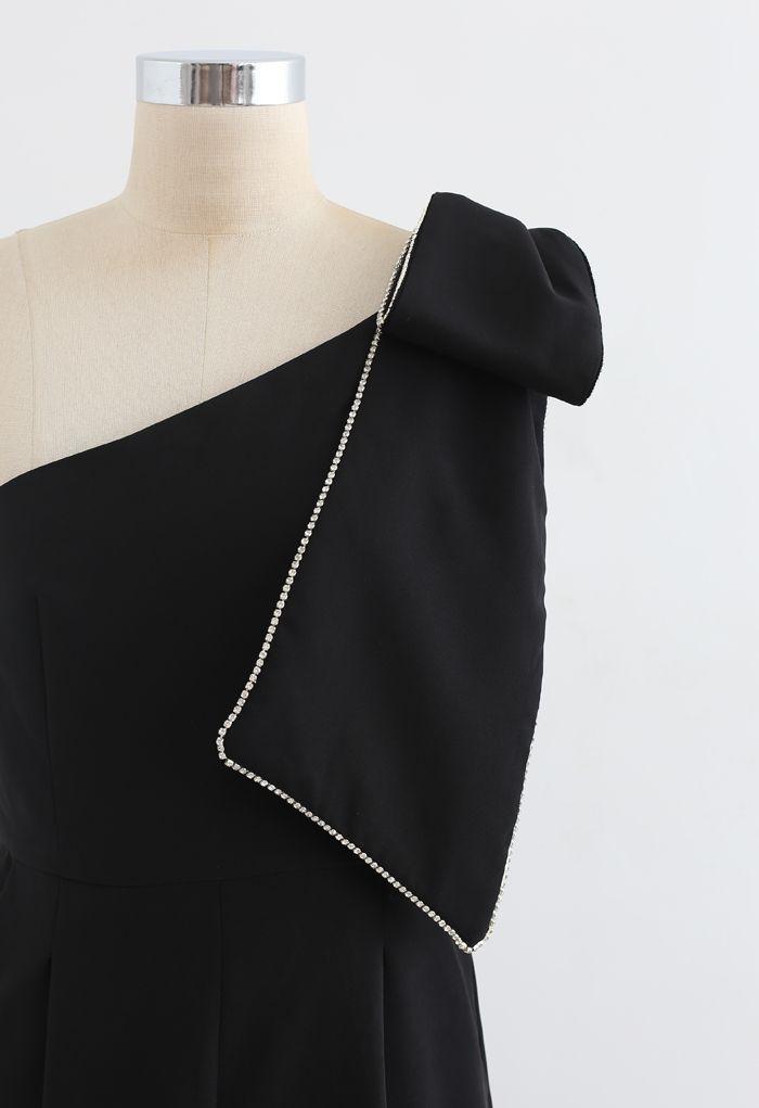 Bow Strap Oblique One-Shoulder Jumpsuit