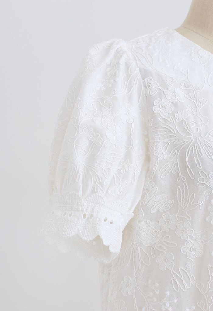 Delicate Floral Embroidered Short-Sleeve Top in White