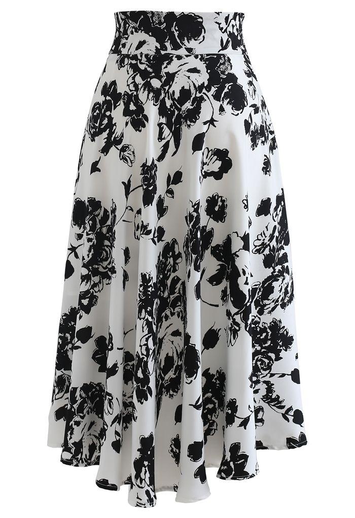 Brooch Detail Sketch Floral Printed Midi Skirt in White