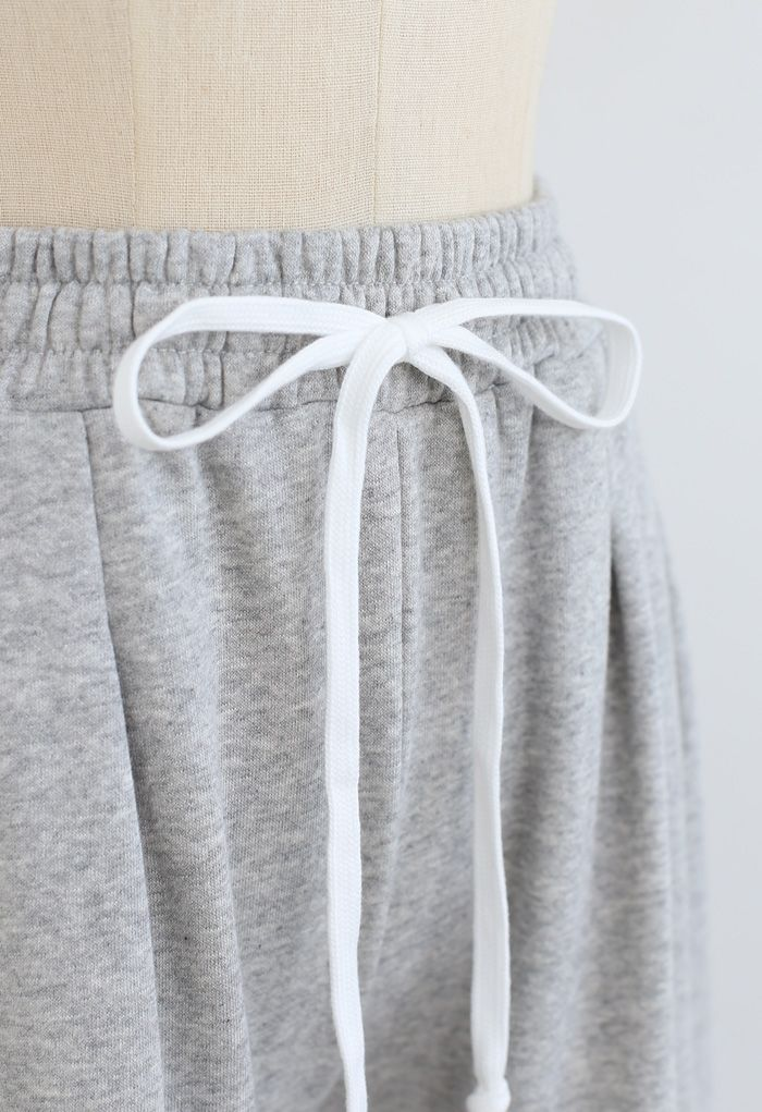 Cropped Wide-Leg Raw Cut Drawstring Pants in Grey
