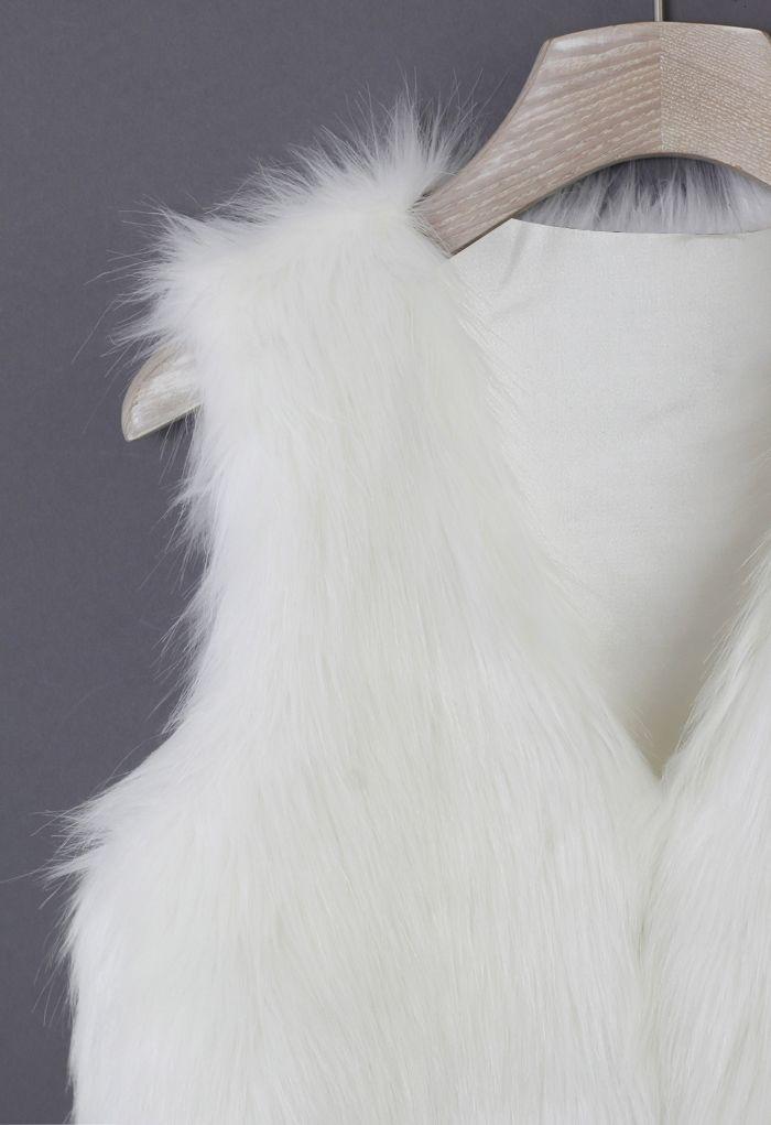 Chaleco Chicwish en Piel Sintética Color Blanco