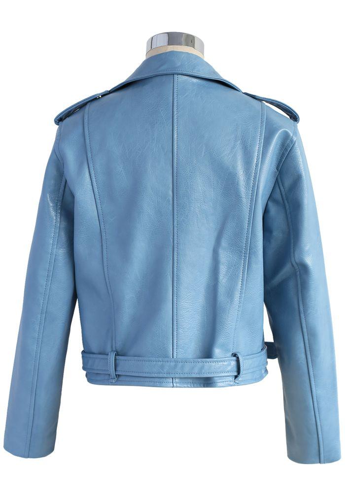 Chaqueta motera de cuero sintético indudablemente elegante en azul