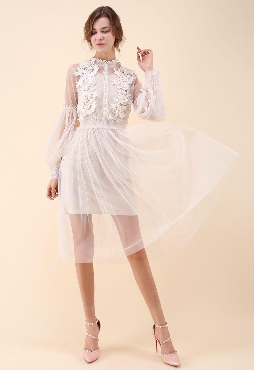 Encantador y Diáfano Vestido de Gasa Color Crema con Ganchillo Floral