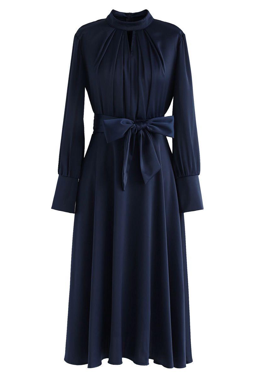 Agarra el vestido de satén Bowknot de Spotlight en azul marino