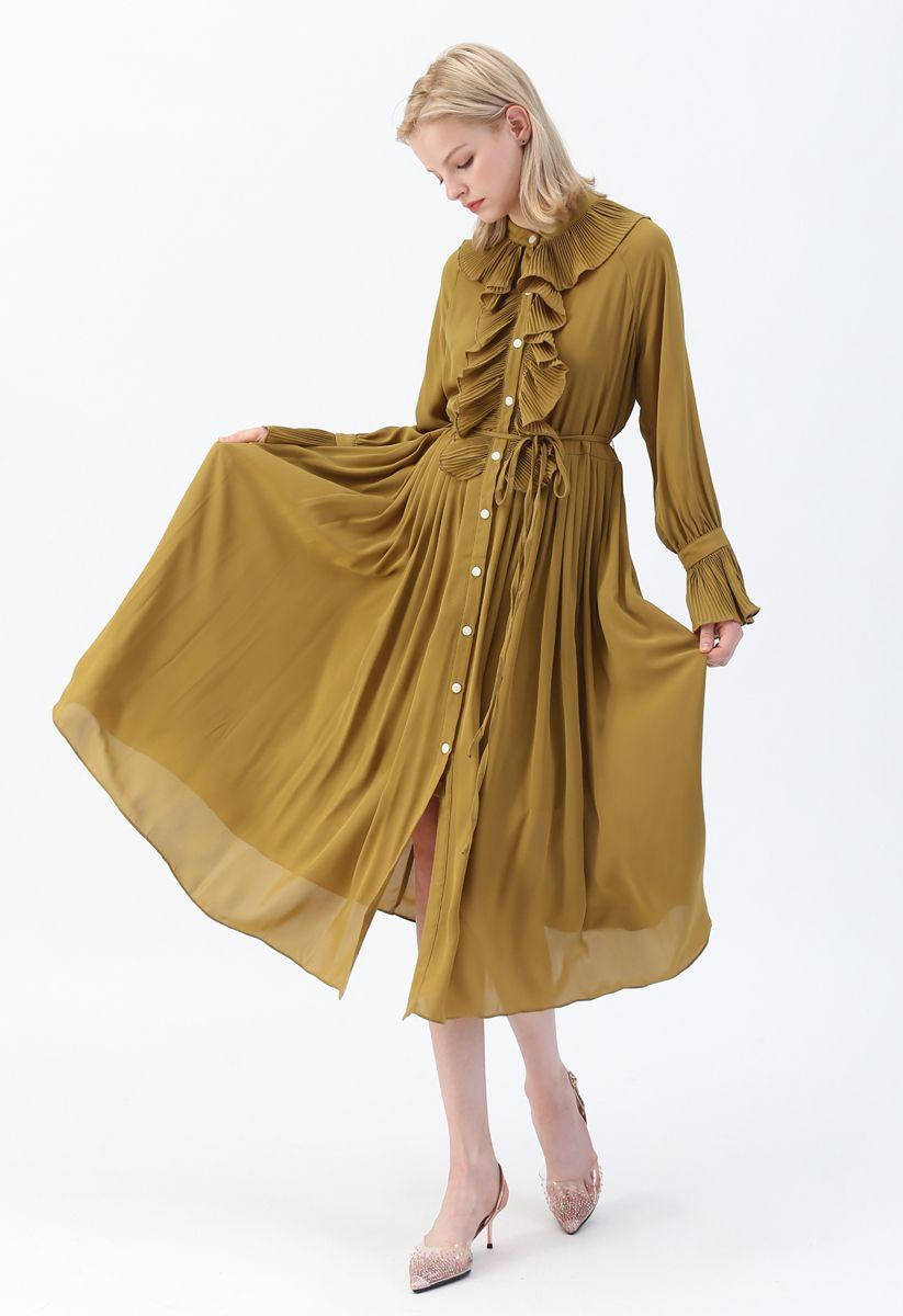 Vestido de gasa con volantes y botones en mostaza