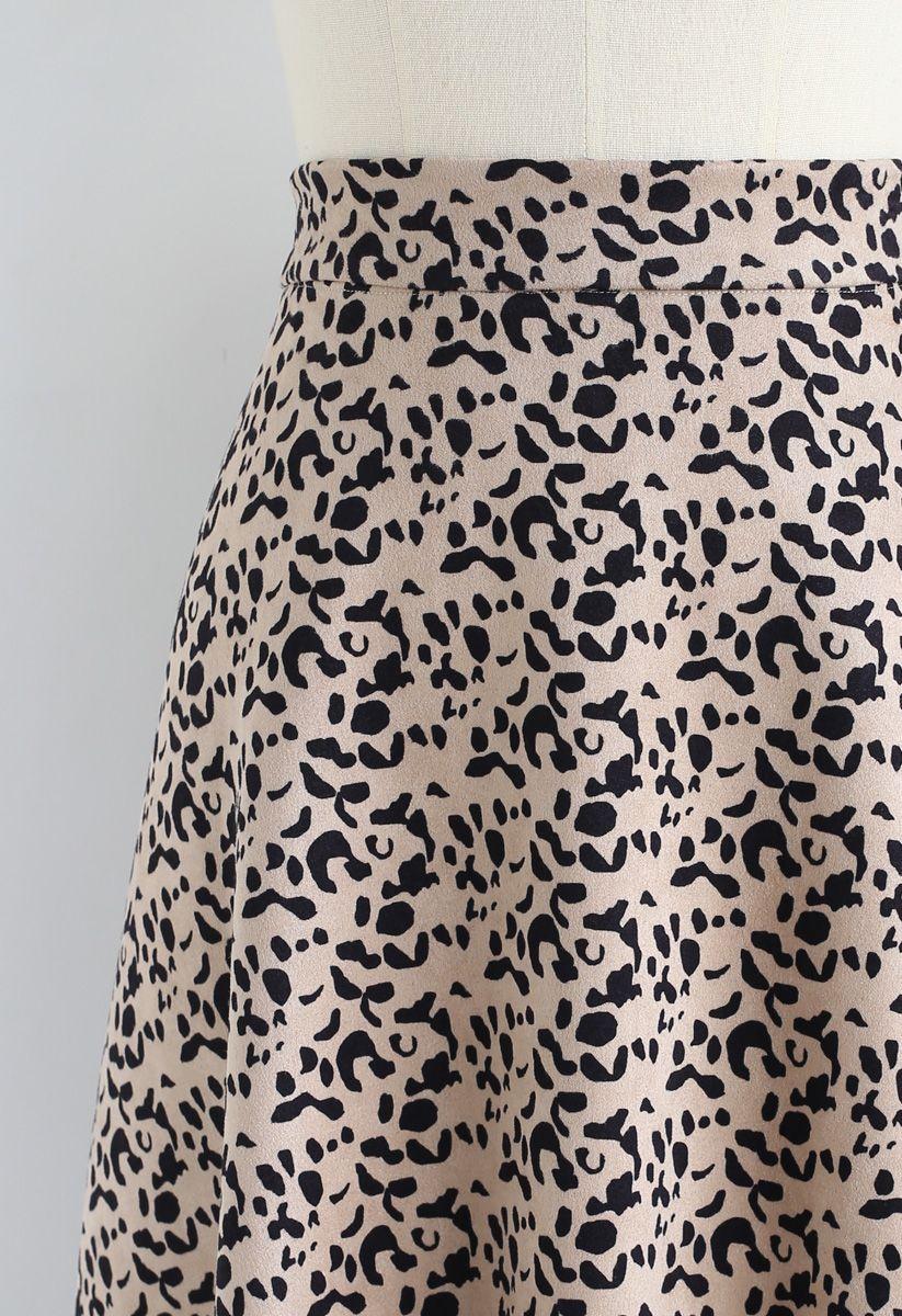 Falda midi de ante sintética con estampado de leopardo