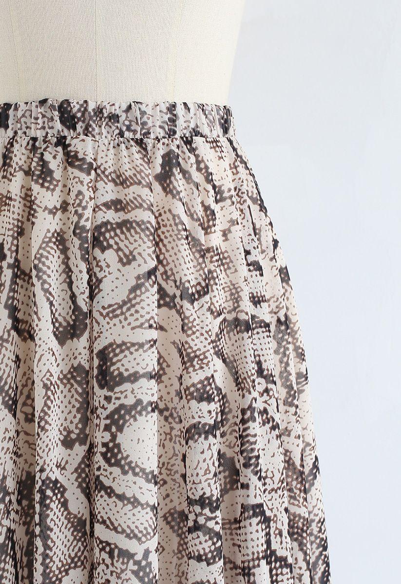 Falda larga de gasa asimétrica con estampado de serpiente