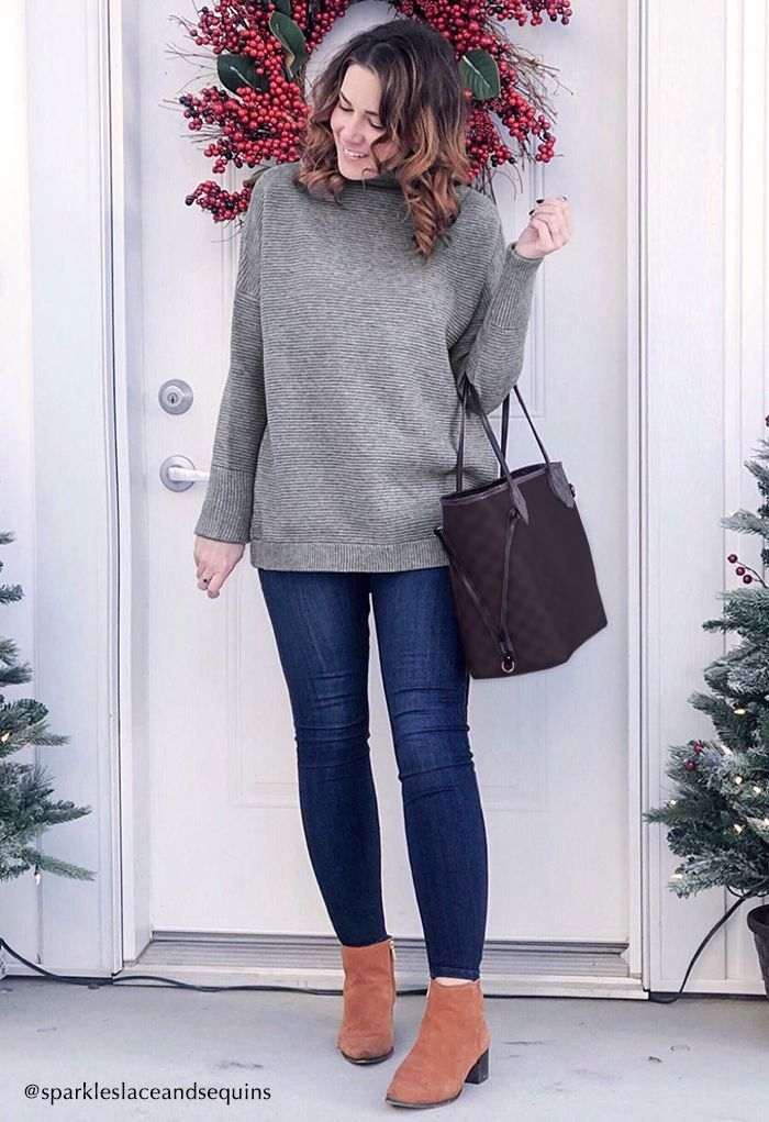 Cozy Ribbed Turtleneck Sweater in Grey