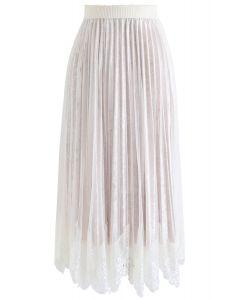 Asymmetric Lacy Hem Mesh Velvet Skirt in White