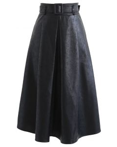 Textured Faux Leather Belted Pleated Skirt in Black