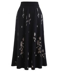 Rosebud Pleated Knit Midi Skirt in Black