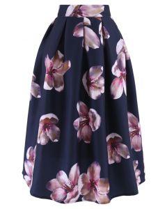 Falda midi de flor de melocotón en azul marino
