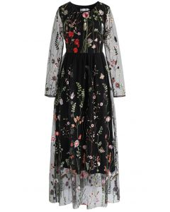 Vestido largo de malla bordada Lost in Flowering Fields en negro