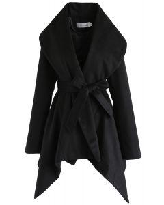 Abrigo Negro de Cuello Ancho