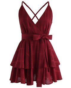 Mini vestido de camuflaje con espalda cruzada de Dare To Dream en rojo