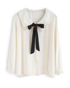 Inspiración de la camisa Pussy-Bow en crema
