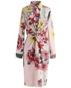 Vestido camisero con rayas y torcedura floral
