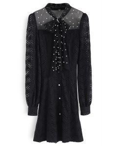 Vestido de encaje con perlas preciosas y lazo en negro