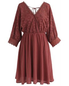 Vestido bordado con brillo envolvente Sunkissed en rojo