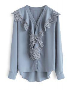 Top de adornos de crochet Sense of Serenity en azul polvoriento