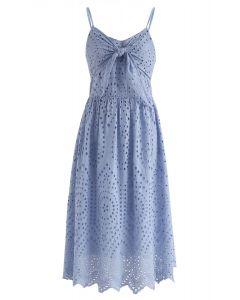 Vestido estilo camisola con ojales y fiesta en azul