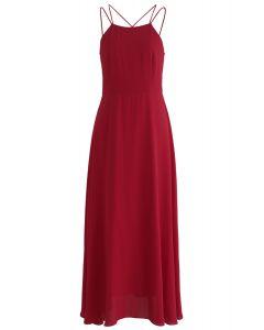 Vestido largo con espalda cruzada de Gorgeous Movement en rojo