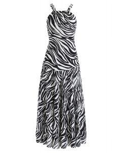 Vestido largo con espalda abierta y rayas cebra en blanco