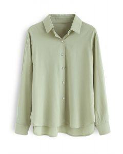 Camisa con botones de concha en verde
