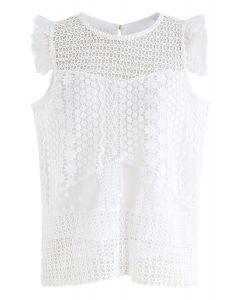 Top sin mangas de ganchillo con ojales florales en blanco