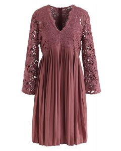Lace Crochet V-Neck Pleated Dress