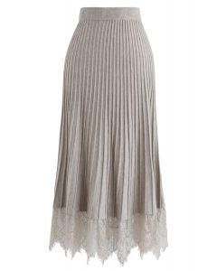 Lace Hem Pleated A-Line Knit Skirt in Sand