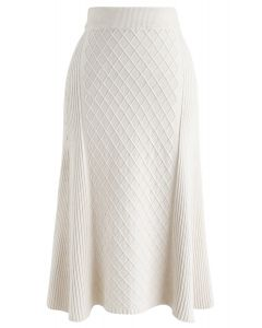 Diamond Shape A-Line Ribbed Knit Midi Skirt in Cream