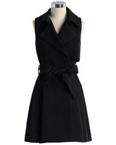 Gabardina sin mangas con cinturón en negro